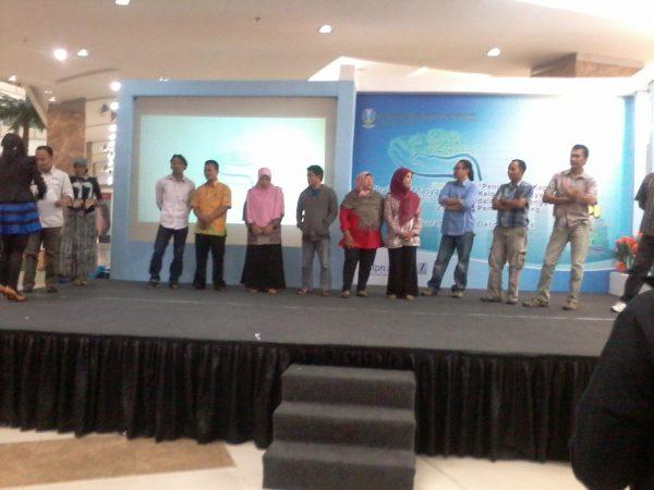 Presentasi kegiatan prakarsa masyarakat