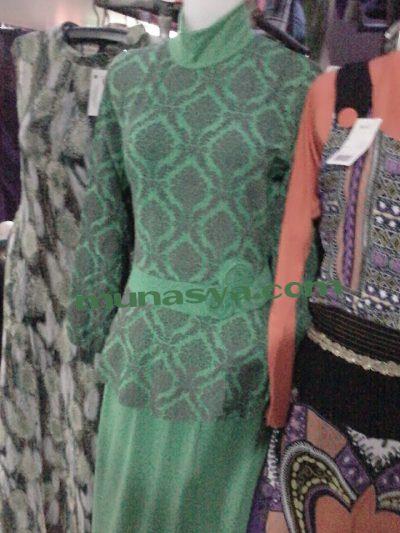 Pakaian wanita resmi