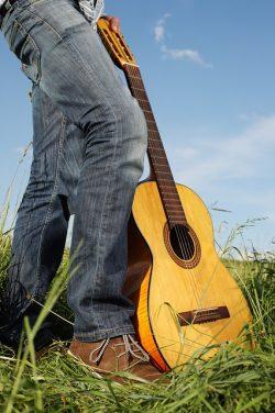 Daftar Harga Gitar Akustik Biasa & Gitar Akustik Elektrik