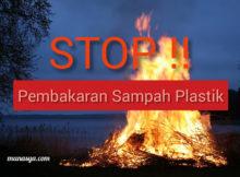 Membakar sampah plastik